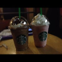 Photo taken at Starbucks by VeritÖ on 11/22/2012