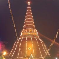 Photo taken at Wat Phra Pathom Chedi by Nisri B. on 11/23/2012
