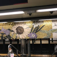 Photo taken at MTA Subway - 77th St (6) by Gabrielita on 4/15/2017