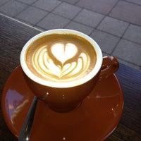 Das Foto wurde bei Filter Coffeehouse & Espresso Bar von Aaron am 11/11/2013 aufgenommen