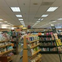 Photo taken at Barnes & Noble by Alejandra M. on 9/14/2016