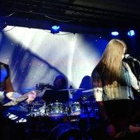 Photo taken at Inside Rock Cafe by Håkon B. on 5/7/2017