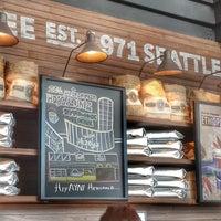 3/7/2014 tarihinde Burak B.ziyaretçi tarafından Starbucks'de çekilen fotoğraf