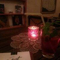 Photo prise au Velvet Cafe, Galata par İsmail İ. le11/2/2013