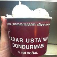 4/23/2013 tarihinde Suzannese M.ziyaretçi tarafından Dondurmacı Yaşar Usta'de çekilen fotoğraf