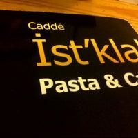 Foto tomada en Cadde İstiklal Pasta & Cafe por Jacques C. Q. el 11/6/2012