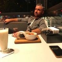 Foto tomada en Mahall por Kaya el 9/19/2018