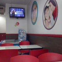 Photo taken at Telepizza by Ju A. on 4/22/2014