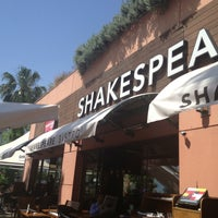 Photo taken at Shakespeare Coffee & Bistro by Erdal on 5/3/2013