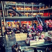 11/25/2012 tarihinde Okanziyaretçi tarafından Pelican Mall'de çekilen fotoğraf