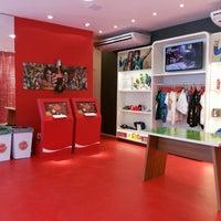 Foto tirada no(a) Casa Coca-Cola por Deidre L. em 6/14/2014