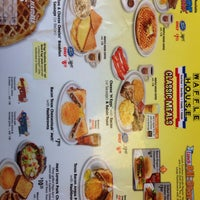 Photo taken at Waffle House by Elias L. on 4/1/2014