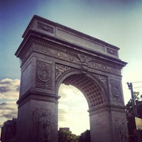 Foto scattata a Washington Square Park da Annie S. il 6/19/2013