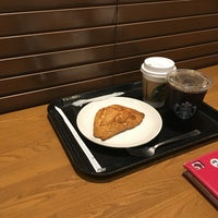Photo taken at Starbucks Coffee つくば店 by Katsuya T. on 9/14/2016