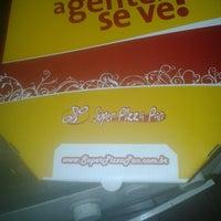 Foto tirada no(a) Super Pizza Pan por Caio M. em 5/11/2013