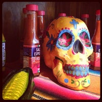 Photo taken at Totopos Gastronomia Mexicana by Edson T. on 4/11/2013