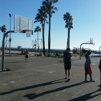 Photo taken at Venice Beach Basketball Courts by Ray S. on 9/30/2016