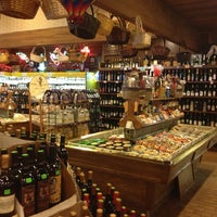 Photo taken at Tom's Farms Cheese and Wine Shoppe by Erica on 7/22/2013