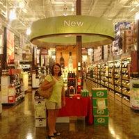 Foto tomada en Total Wine & More por Erin S. el 6/15/2013
