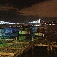 Photo taken at Tarihi Çınaraltı Aile Çay Bahçesi by Emrah A. on 10/6/2013