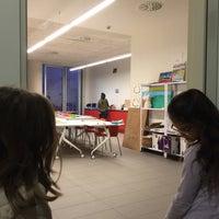 12/30/2015 tarihinde fernando p.ziyaretçi tarafından Centre Cívic Urgell'de çekilen fotoğraf