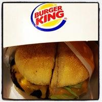 Foto tirada no(a) Burger King por Eduardo H. em 11/17/2012