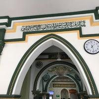 Photo taken at Abdul Gaffoor Mosque by Ridz u. on 5/1/2017