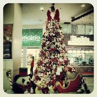 Foto tirada no(a) Poli Shopping por Helves N. em 12/14/2012
