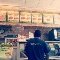 Foto tirada no(a) Subway por Ixbalanque K. em 3/19/2013