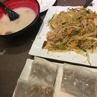 Foto tomada en King's Kitchen 金煌 por Weiley O. el 10/27/2016