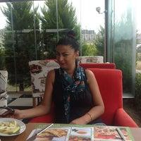7/18/2013 tarihinde Merây s.ziyaretçi tarafından Green Garden Cafe & Restaurant & Nargile'de çekilen fotoğraf