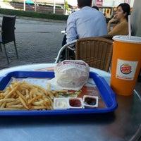 Photo prise au Burger King par Vedat E. le11/5/2012