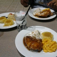 Photo taken at Kenny Rogers Roasters by Ajaqsa A. on 12/17/2012
