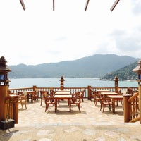Photo taken at Santhiya Resort And Spa Koh Phangan by TAWAAN on 1/28/2015
