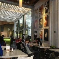 Foto diambil di MUMEDI Café & Shop oleh Claudia pada 1/27/2013