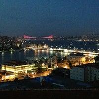 6/14/2013에 FB Yusuf Ö.님이 Mimar Sinan Teras Cafe에서 찍은 사진