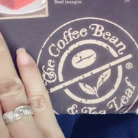 Photo taken at The Coffee Bean & Tea Leaf by Rery A. on 9/13/2015