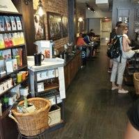 Photo prise au Starbucks par Khaled M. le8/9/2013