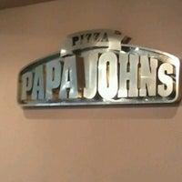 Foto tomada en Papa John's Pizza por Edgar Douglas G. el 9/15/2012