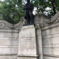 Photo taken at Isambard Kingdom Brunel statue by Юлия П. on 6/8/2018