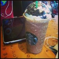 Foto tomada en Starbucks por ToÑiTo B. el 4/27/2013