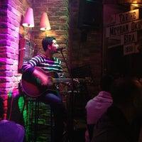 1/12/2013 tarihinde Boş H.ziyaretçi tarafından Beer House'de çekilen fotoğraf