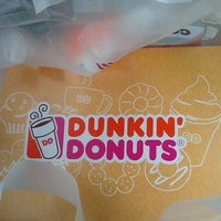 Photo taken at Dunkin' Donuts by Emi R. on 9/22/2013
