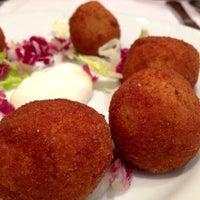 Photo taken at Restaurante nou palas by Jota on 5/4/2014