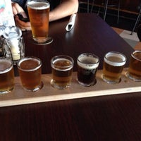 Photo taken at Sankey's Taproom & Grille by Victor B. on 5/23/2014