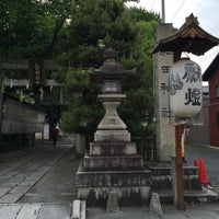 Photo taken at 和田神社 by とめ on 5/1/2016