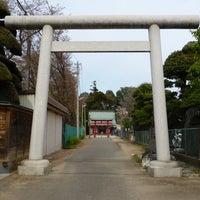 Photo taken at 諏訪神社 by とめ on 4/13/2014