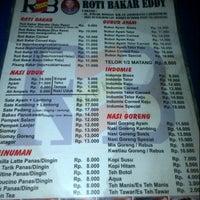 Photo taken at Roti Bakar Eddy by akhirul a. on 5/29/2013