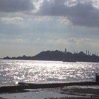 Das Foto wurde bei Kabataş Sahili von Tufi77 am 11/12/2012 aufgenommen