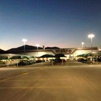 Photo taken at Makro by Fabricio on 5/27/2014